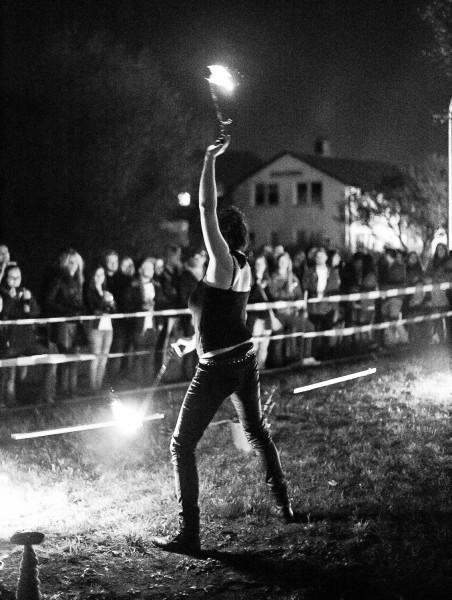 Eventagentur Firesmile: Feuershow-Tanz, Walkacts und Stelzenlauf in Oberfranken / Oberpfalz/ Bayern