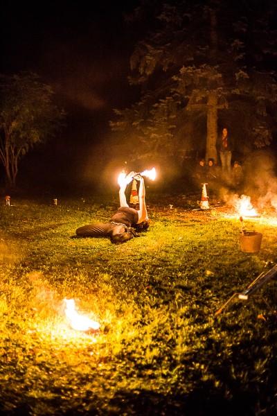 Eventagentur Firesmile: Feuershow-Tanz, Walkacts und Stelzenlauf in Oberfranken / Oberpfalz / Bayern